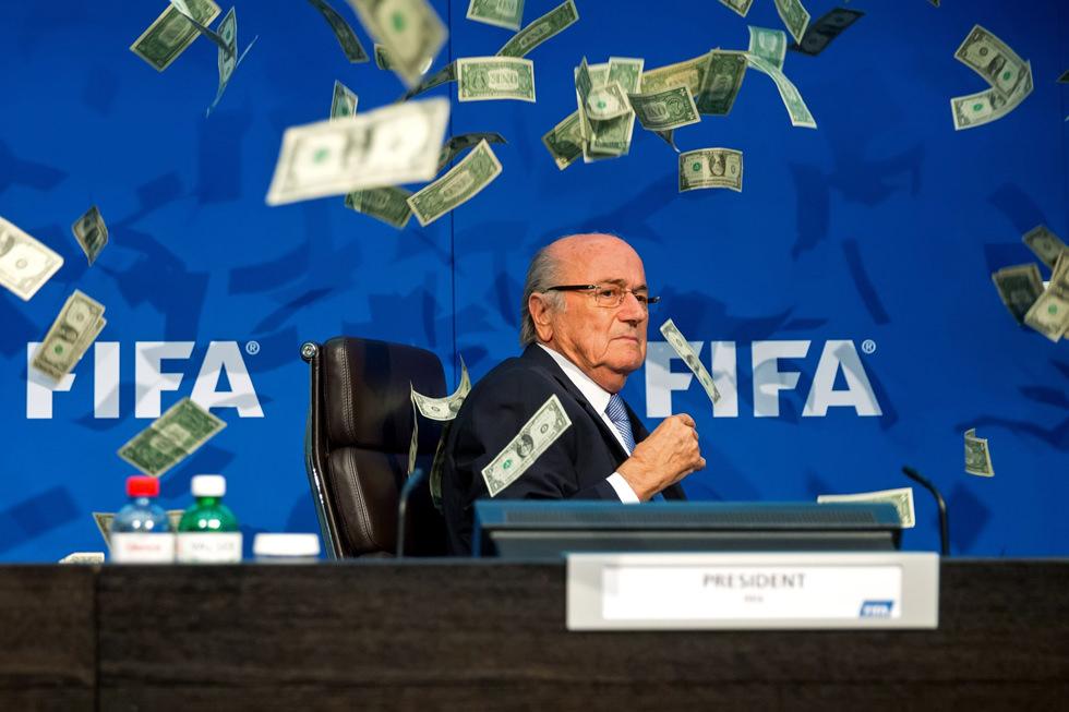Lluvia de dinero para Blatter