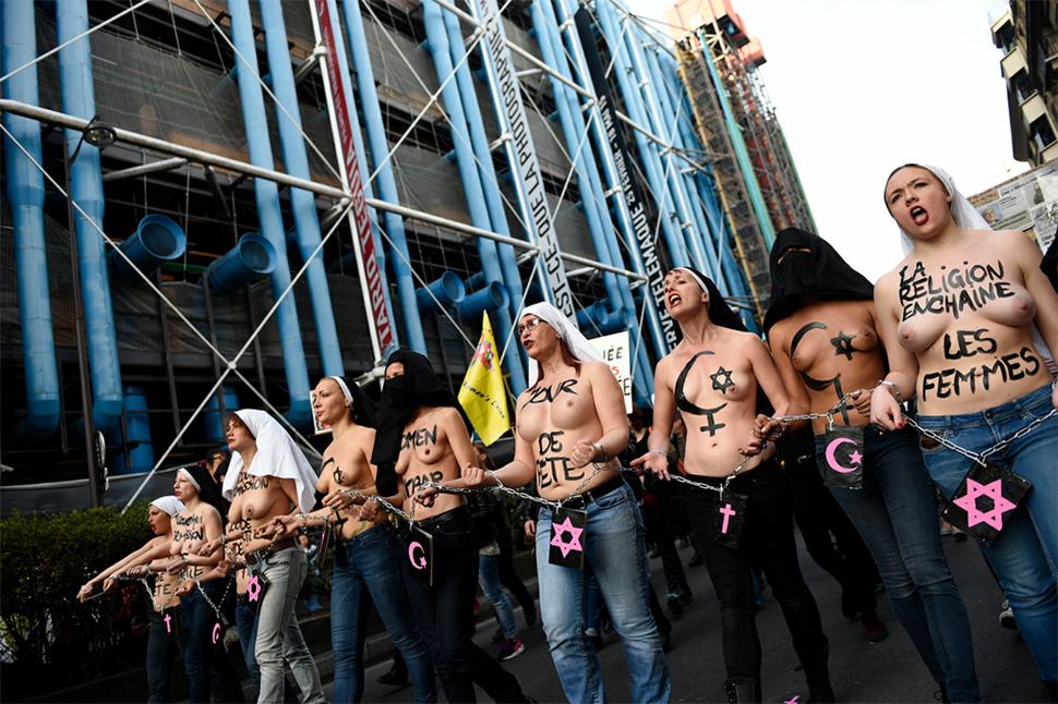 Femen vuelve a cargar contra la religión