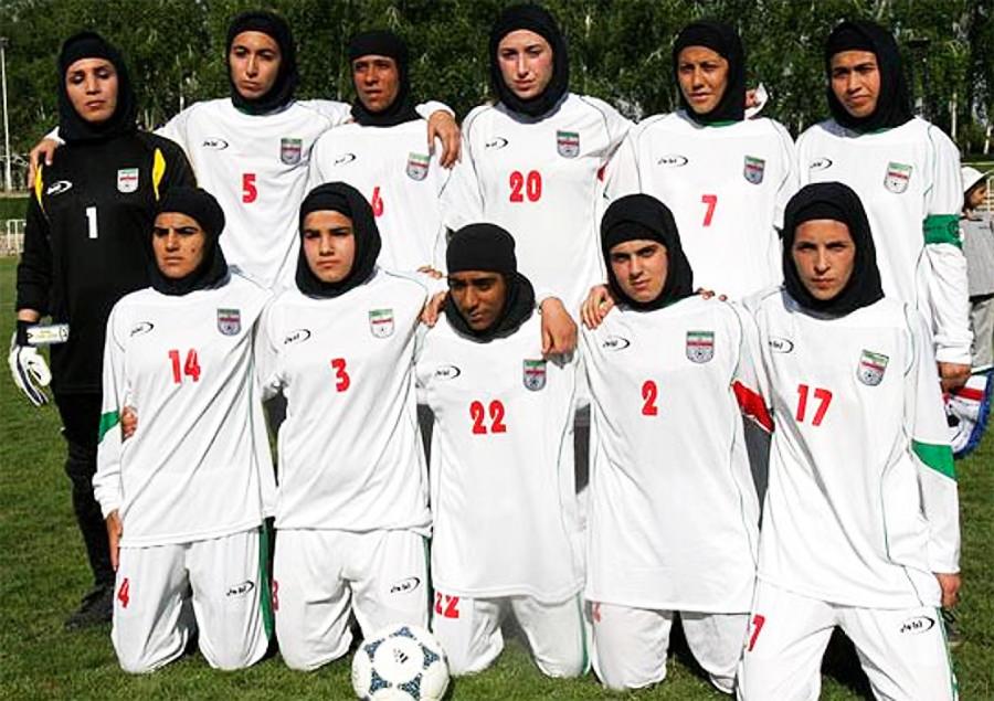 Los señores de la selección femenina iraní