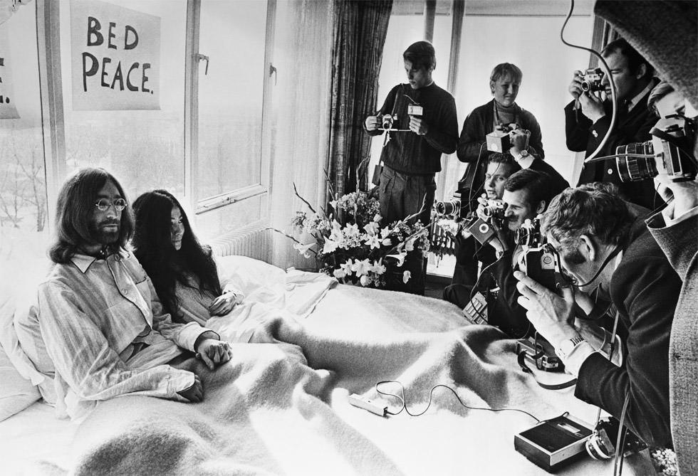En la cama con John Lennon y Yoko Ono