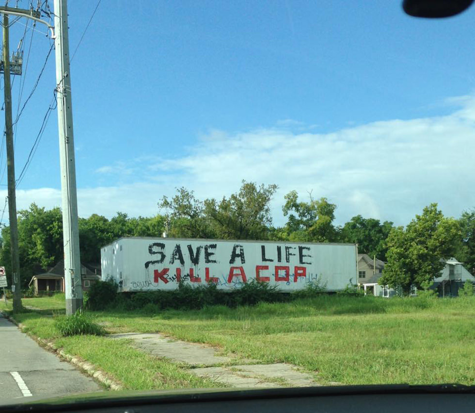 """""""Salva una vida: mata a un policía"""""""