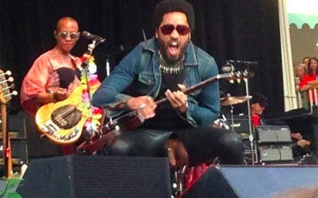 Lenny Kravitz se la saca