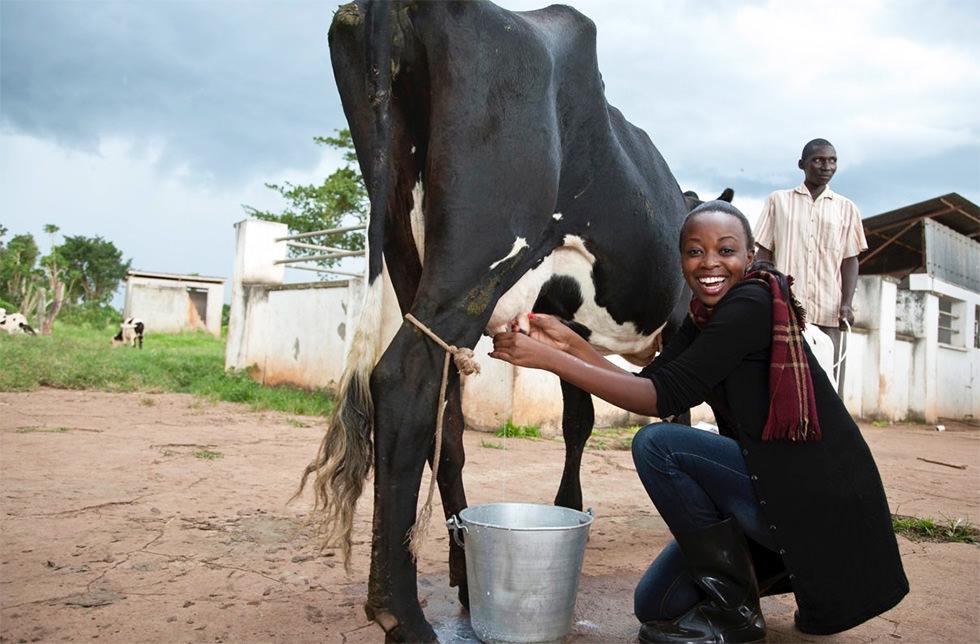 El talento de Miss Uganda para fortalecer el sector agrícola