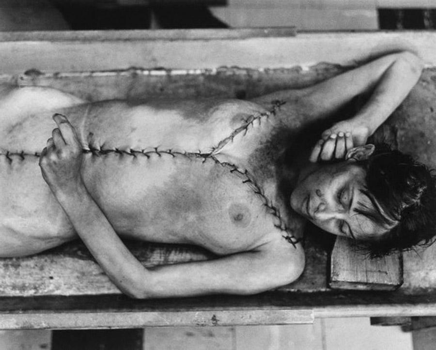 Mujer que murió mientras dormía (1972)