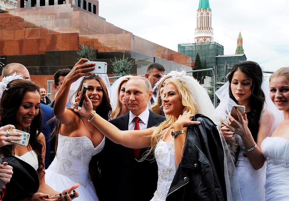 Putin se echa novias