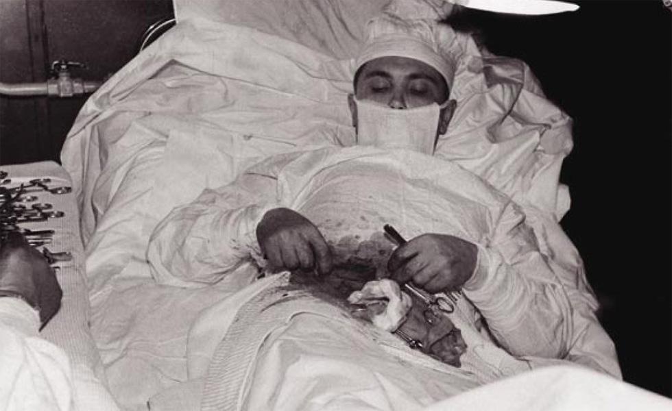 El cirujano que se operó a si mismo