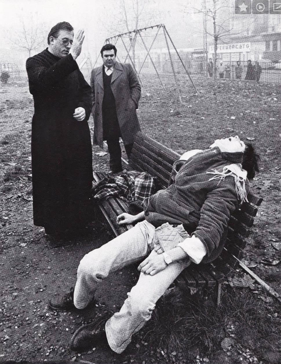 Vigilia por un difunto (Milán, años 70)