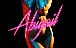 Tushy presenta Abigail