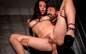 Aidra Fox: porno hardcore, BDSM softcore
