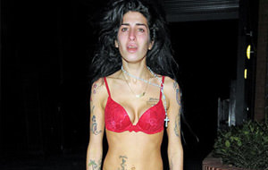 Amy Winehouse desquiciada