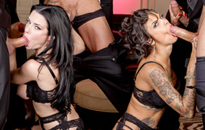 Doble gangbang: Bonnie Rotten y Veronica Avluv