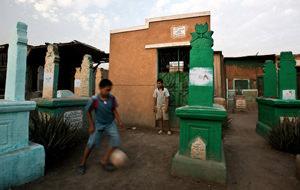 Cementerio viviente: Bab el Nasr o vivir entre muertos