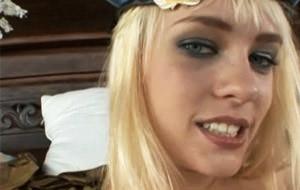 Sodomizando a la húngara Blue Angel