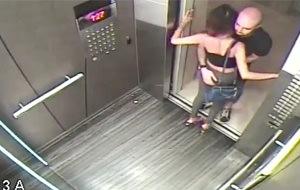 Calentón sexual en el ascensor: el enigma