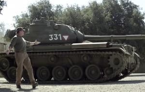 Y Arnold Schwarzenegger se compró un tanque