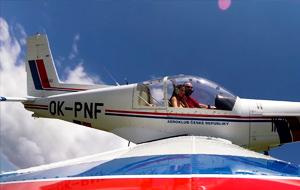 Volando con Connie Carter