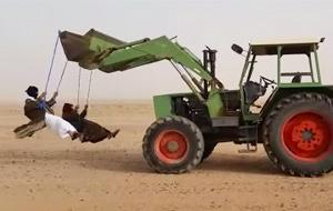 Saudíes locos inventan el columpio ghost rider