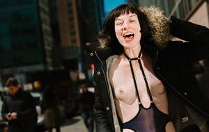 Stoya colabora en el libro Follarse New York