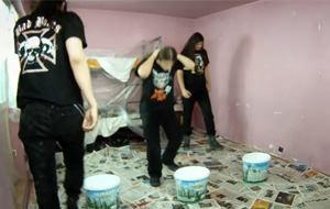 Headbanging: cómo pintar una habitación al estilo heavy metal