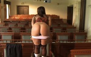 """Lecciones magistrales en el """"Instituto del sexo"""""""
