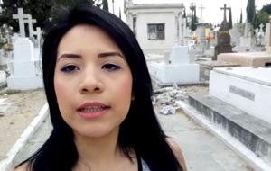 Janeth Rubio: follando entre las tumbas