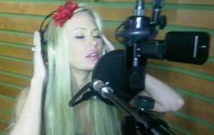 Jenna Jameson inicia su carrera como cantante