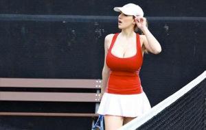 La tenista Jordan Carver y los errores no forzados