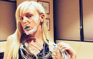 Karolyn Gehrig: glamour sexy en el hospital