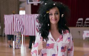 Katy Perry vota desnuda (y por Hillary Clinton)