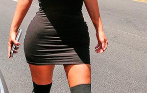 Kim Kardashian pavonea su culo manierista