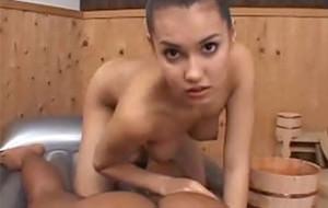 El masaje sexual de la japonesa Maria Ozawa