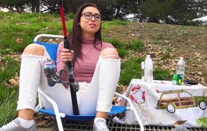 Pescando con actrices porno: Melissa Moore lanza la caña