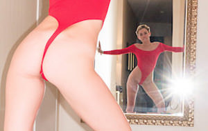 Completamos el álbum de cromos: Miley Cyrus según Terry Richardson
