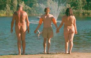 En el país de los nudistas, el raro eres tú