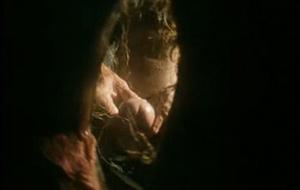 Escenas míticas: Porno desde el interior del coño de Simona Valli