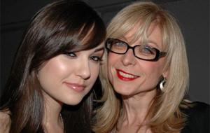 Choque generacional: Nina Hartley y Sasha Grey