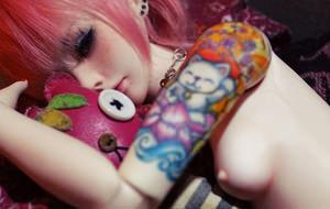El impactante erotismo con muñecas