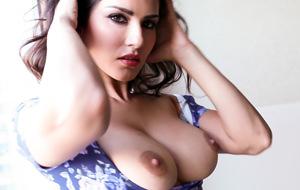 Sunny Leone reaparece en un spot antitabaco