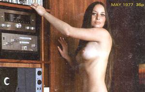 Syn & Synthesizers: falso erotismo vintage como portada