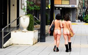 Urbanudismo: la filosofía salir desnuda a la calle