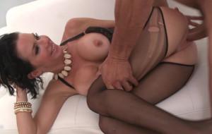 Veronica Avluv envejece a placer