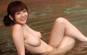 Yuma Asami: porno y superación