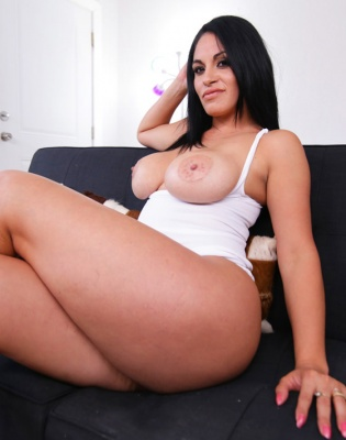 cristal escorts interracial